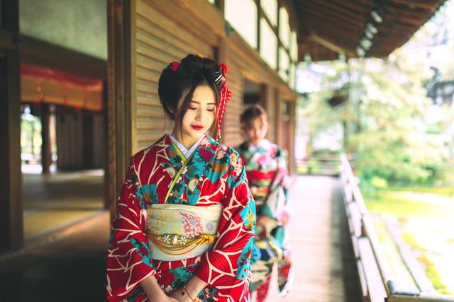 振袖姿で京都観光♪ 振袖レンタルプラン